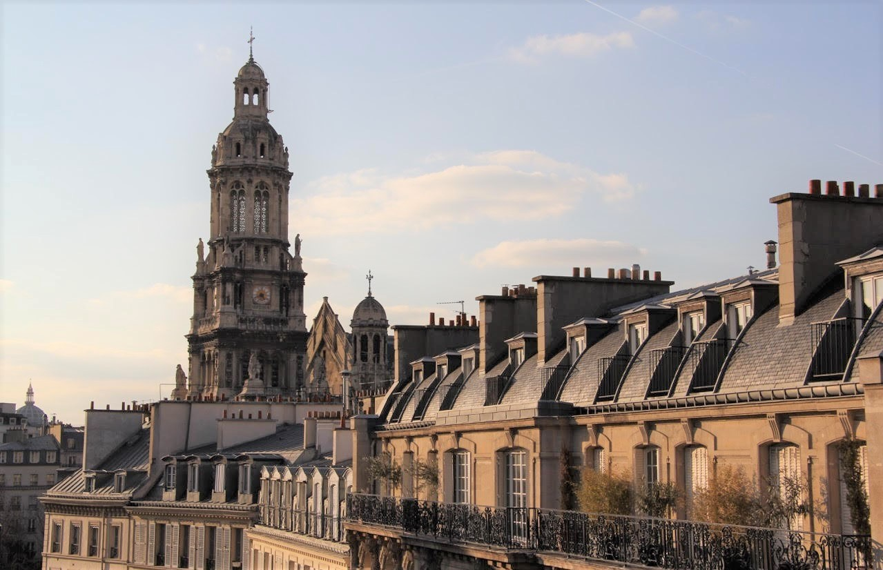 399/Photos/Tourisme/photo-trinite-eglise-toits-hotel-langlois-paris.jpg